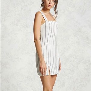 ✨F21 STRIPED BLUE AND WHITE DRESS✨